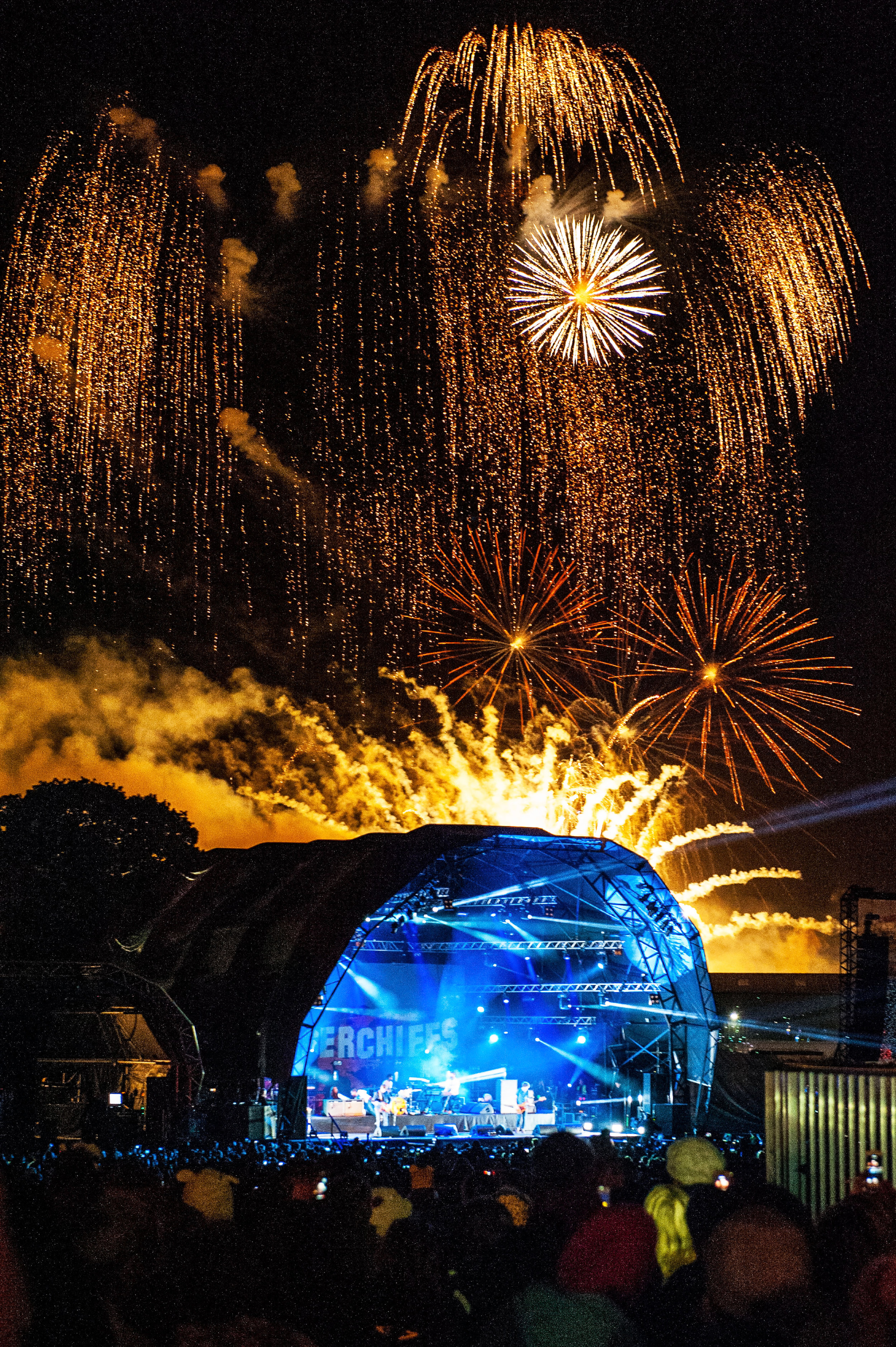 Star Fireworks at Carfest with The Kaiser Chiefs raising money for BBC's Children In Need.