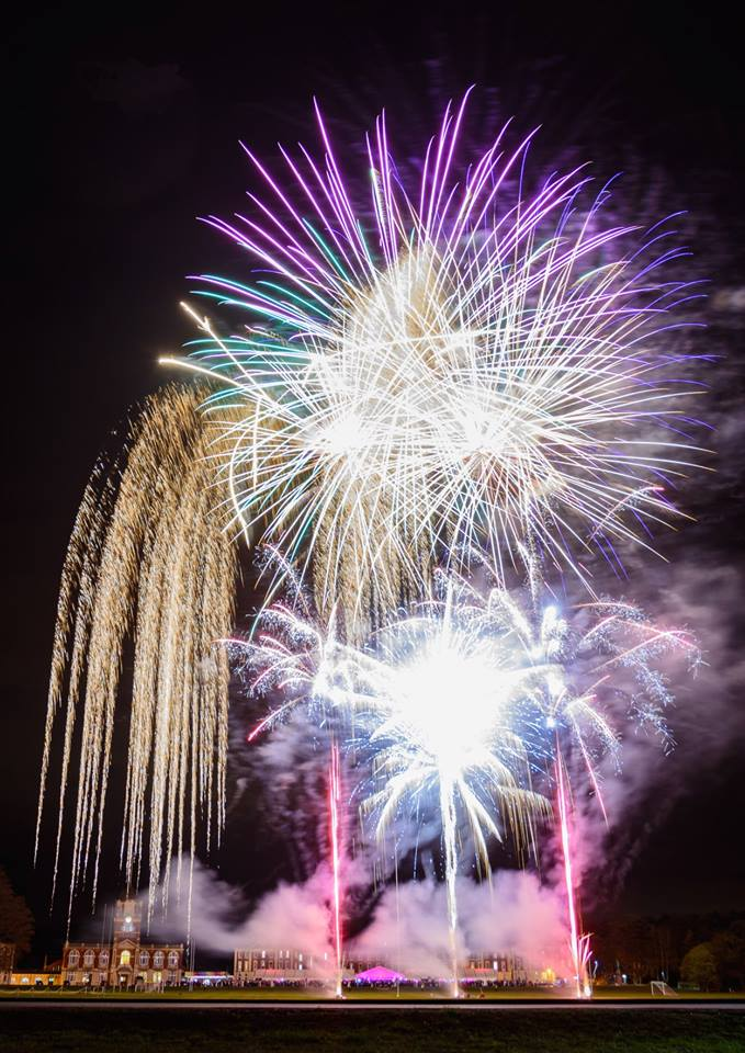 Wedding And Party Fireworks -Local Guide - Add dazzling glamour to your Wedding Reception or Party with a stunning Firework Display from Star Fireworks. Reigning winner of the British Fireworks,