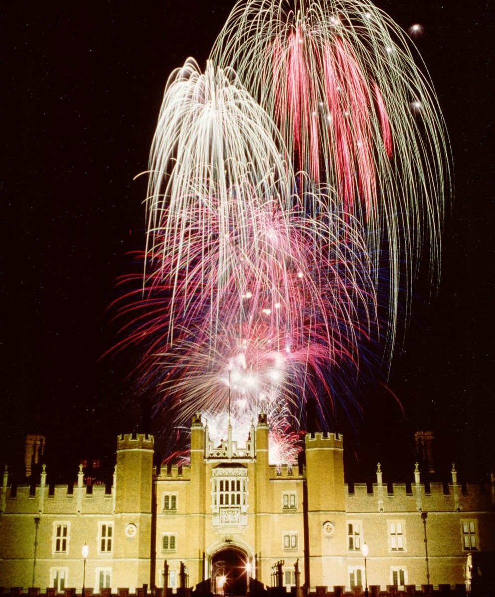From Star Fireworks      - Britain's Reigning