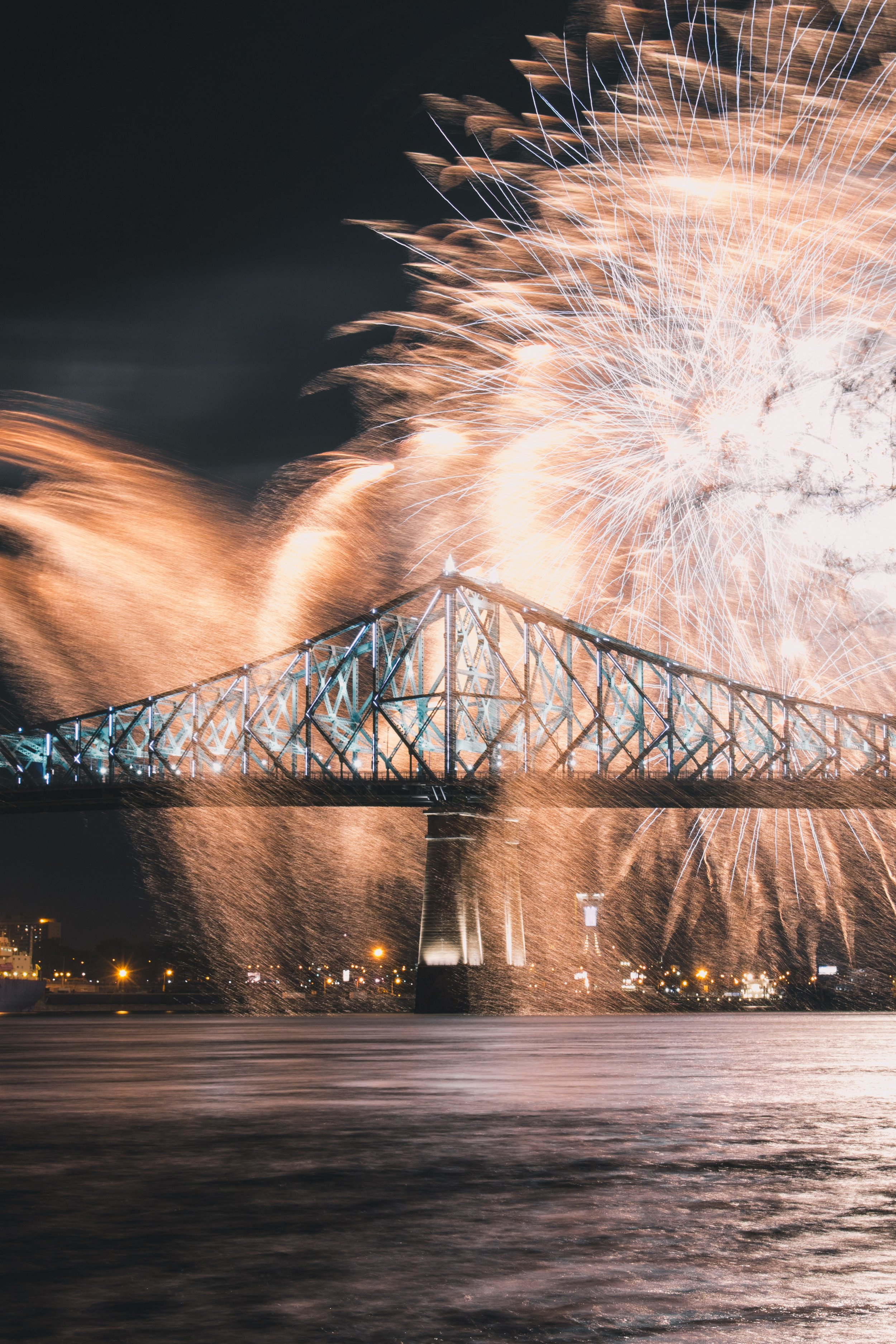 Thank you to Jonathan Denney for this photograph taken during the Montreal International Pyromusical Competition