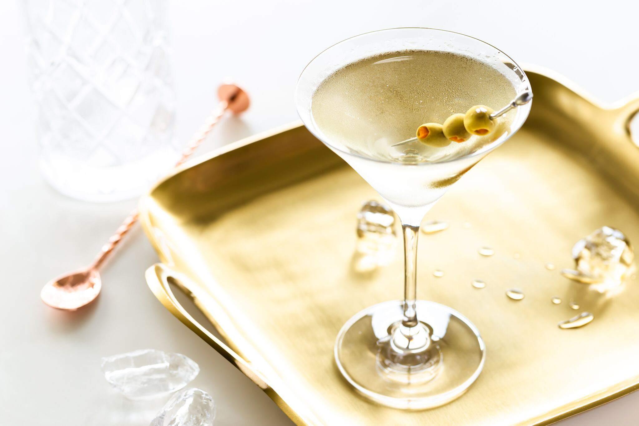dirty-martini-cocktail-recipe-759643-15_preview-5b02f935c064710036ff4c24.jpeg