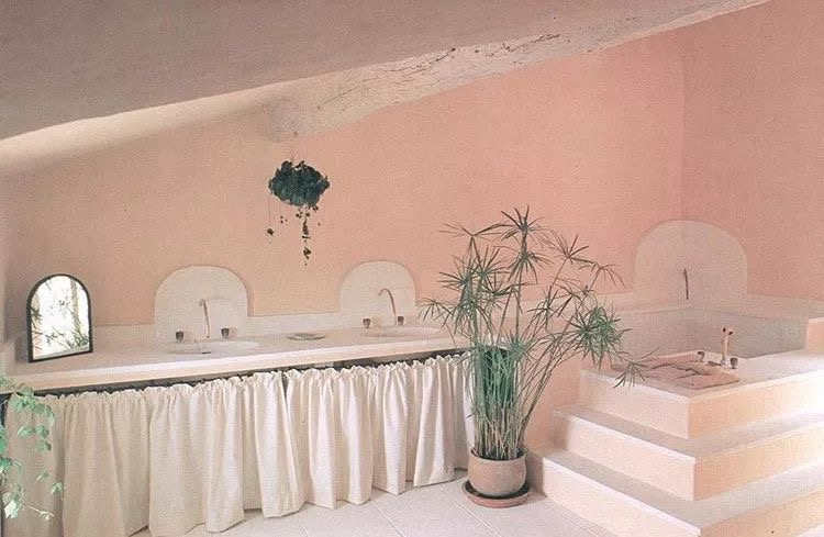 Bath design, 1985