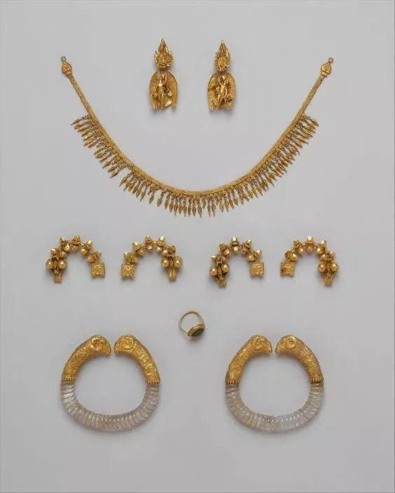 Ganymede jewelry ca. 330-300 B.C. Greek.