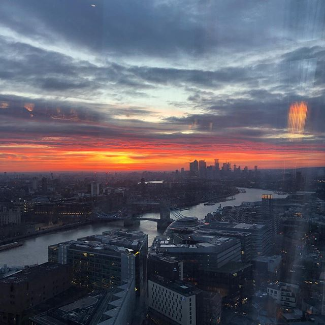 It was worth the early start for this view from the @aquashard ! Lightwave were providing production to a breakfast meeting. #view #sunrise #production #herecomesthesun