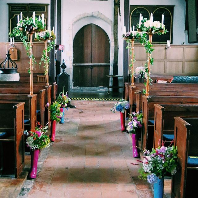 Our church 💛 I'm so in love with this photo! The flowers for our wedding were grown by my amazing sister-in-law @irinaspurls who can seemingly turn her hand to anything/ grow anything/ knit anything & my amazing mama. All of our flowers were grown in the cutting garden and arranged the day before 🥰🥰 we were even making my bouquet at 10pm the night before 🤣 . . . . . #wedding #weddingday #weddingdesign #weddingdecor #weddings #weddingflowers #weddingflowersdecor #bohowedding #bohoweddingflowers #bohoweddinginspo #kentwedding #kentweddings #wedding