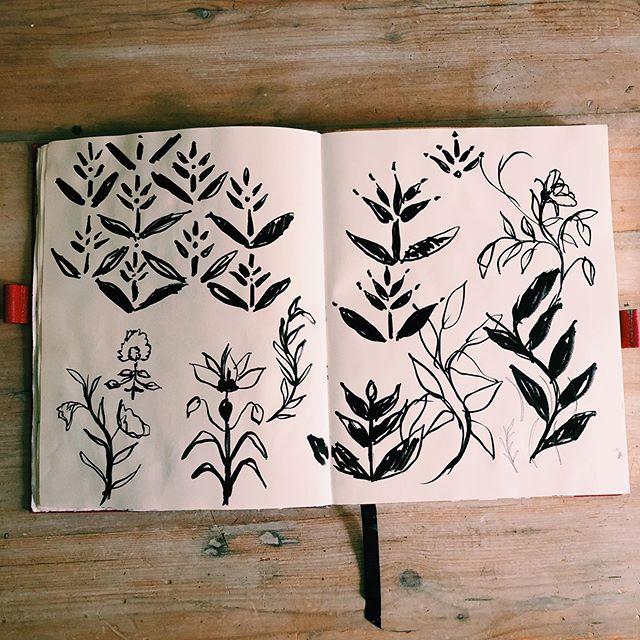 🍁 🍃 🍂  quick sketches for a repeat pattern . . . . #sketch #art #drawing #illustration #sketchbook #artist #artwork #draw #instaart #painting #pencil #sketching #doodle #pencildrawing #artistsoninstagram #ink #drawings #artoftheday #creative #instaartist #arts #artsy #sketches #illustrator #digitalart #design #instadraw #sketching #sketchbook