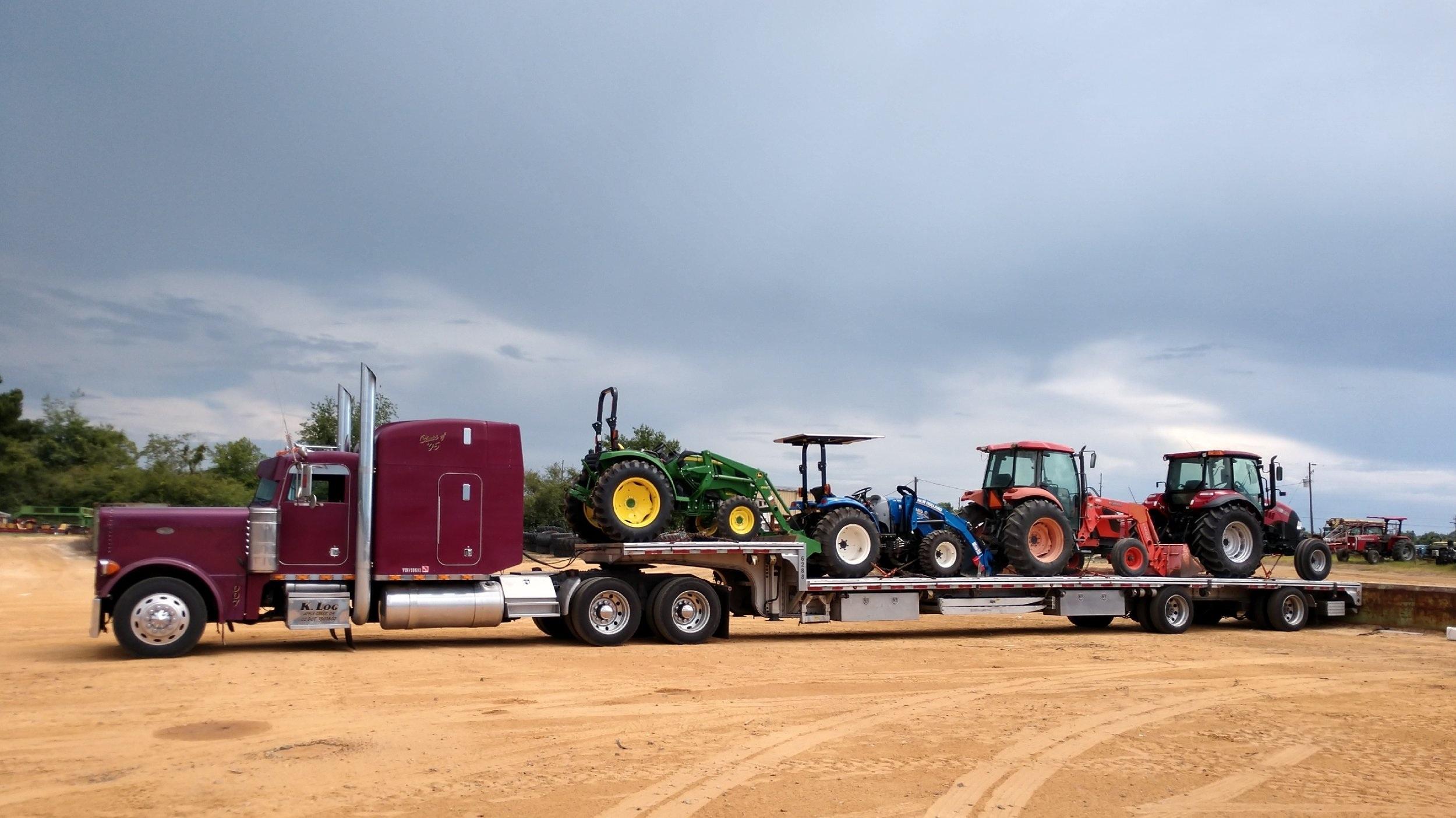 007+with+rainbow+tractors.jpg