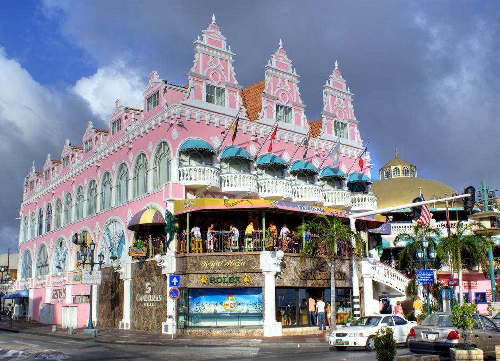 Royal plaza mall - Adres:Lloyd G. Smith Blvd 94, Oranjestad, ArubaOpening hours: 09:30–18:00