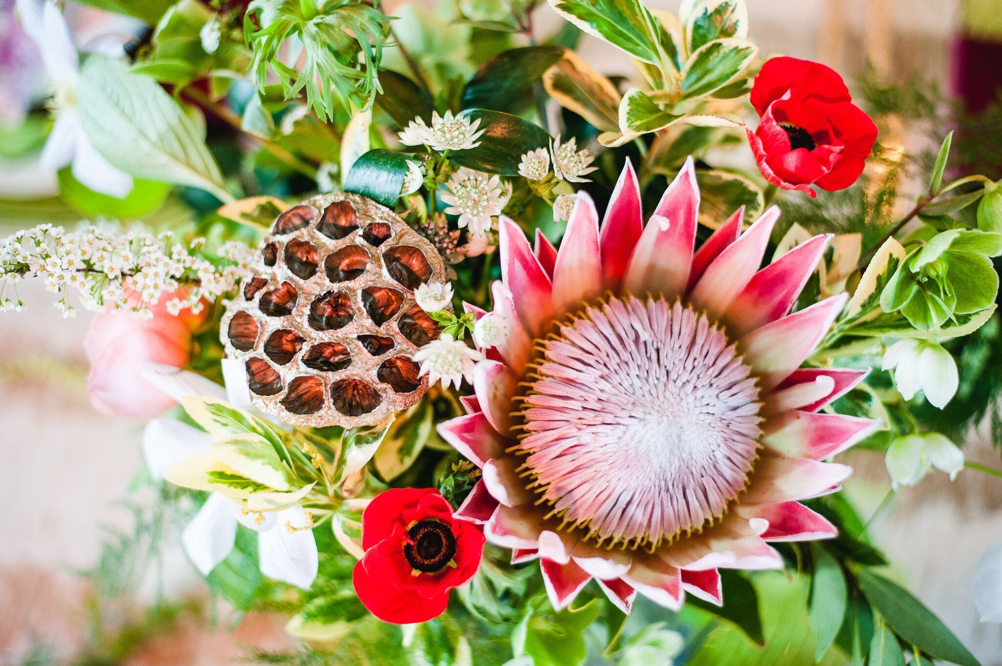 Spring Weddings - Fresh Blooms of Love