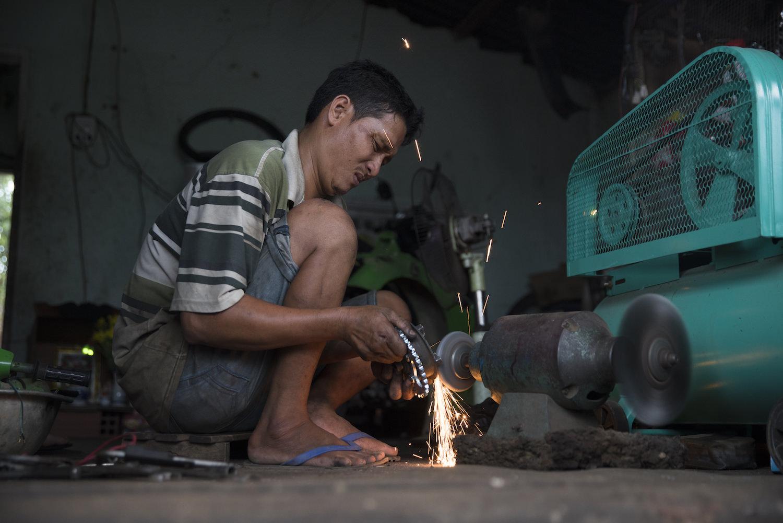 Vietnam_Mechanic.jpg