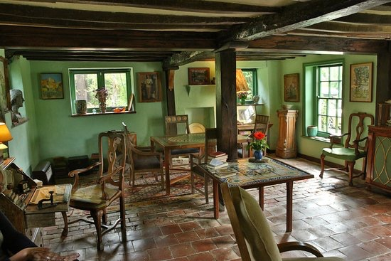 Monks House living room - Picture from TripAdvisor - 'left as if they had just gone out for a stroll'.