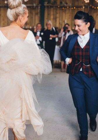 lucy-spraggan-bespoke-wedding-suit_large.png