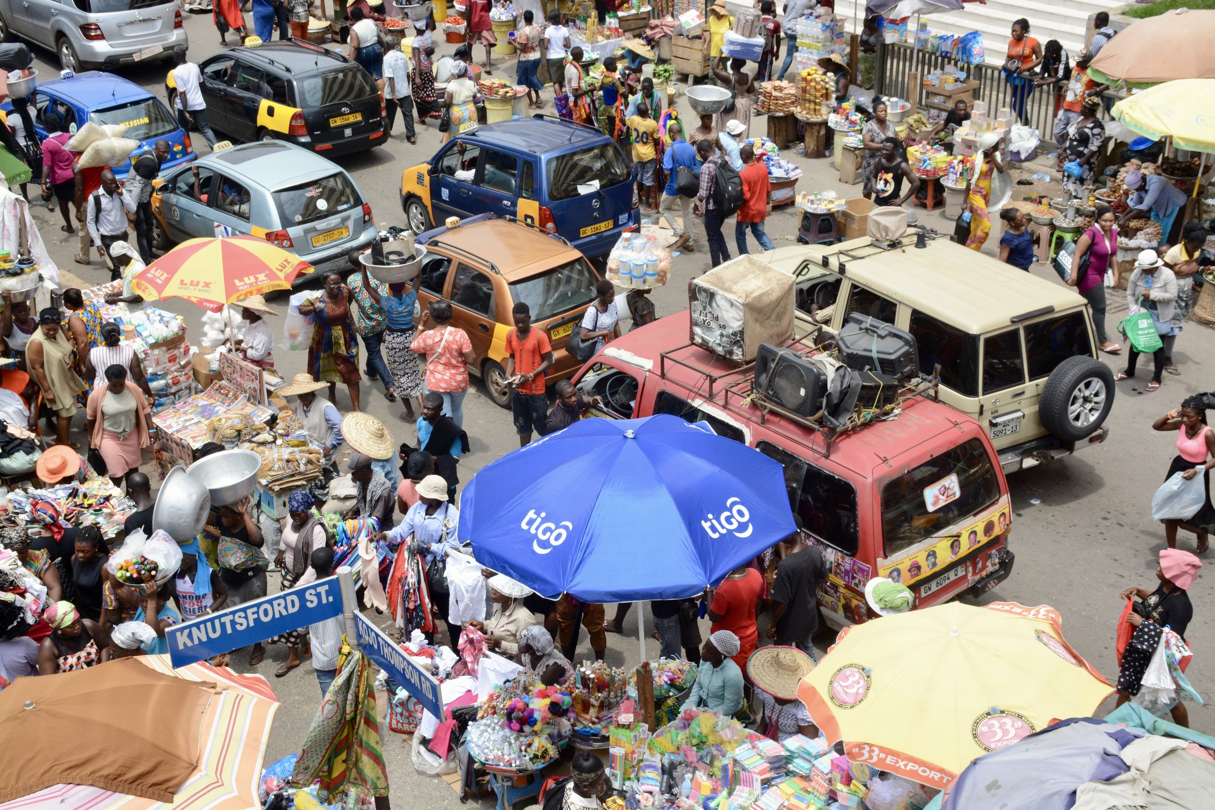 Makola Market is in Accra Center, and it is huge. You can buy almost anything there—sandals, plantains, a mattress, fish, the Bible, jewelry—you name it and it's probably in a shop inside of Makola. The only remaining question: can you find it?