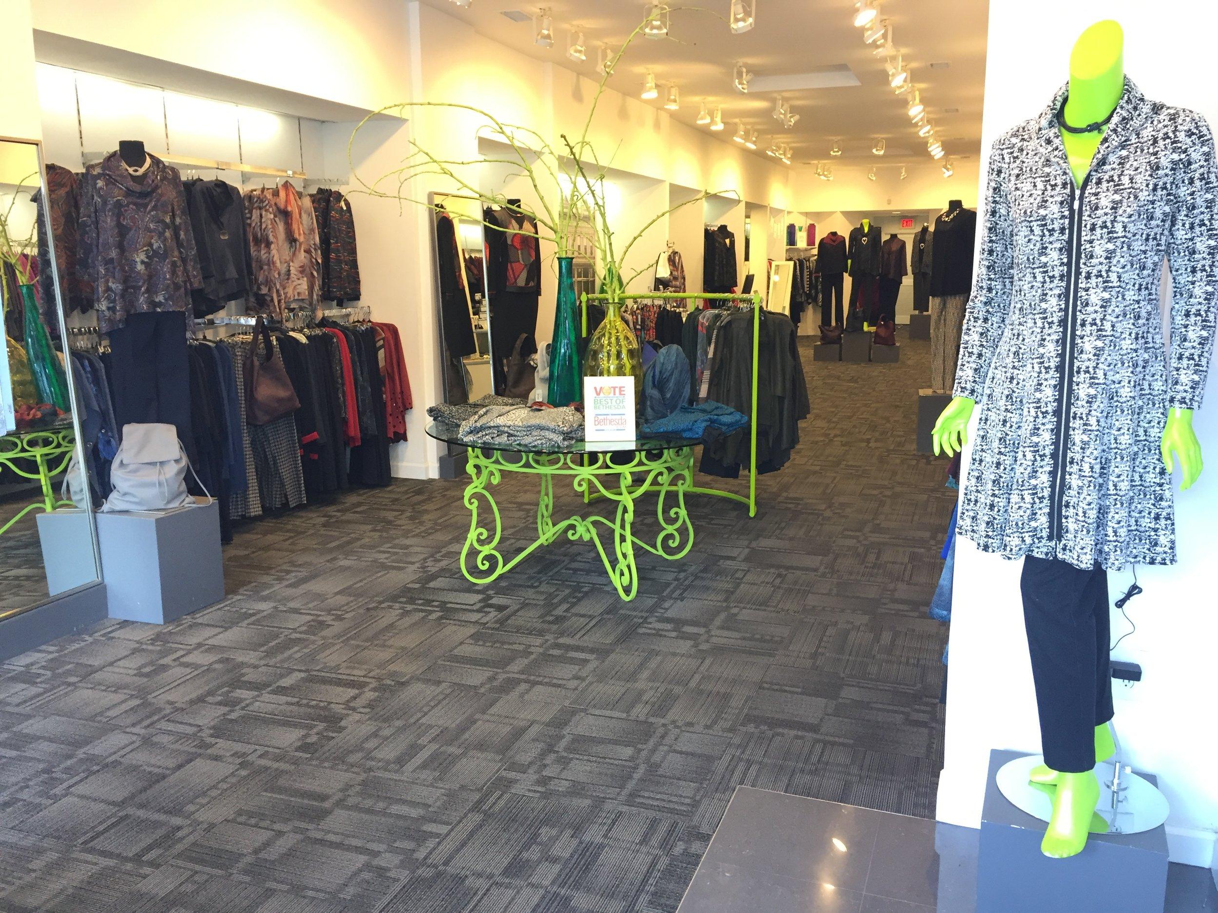HADLEE - Shops at Wildwood10303 Old Georgetown RdBethesda, MD 20814 301.530.2643hadlee@justperfectcollection.com