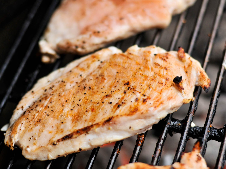 grilling-chicken-breasts-grilling-josh-bousel-1500x1125.jpg