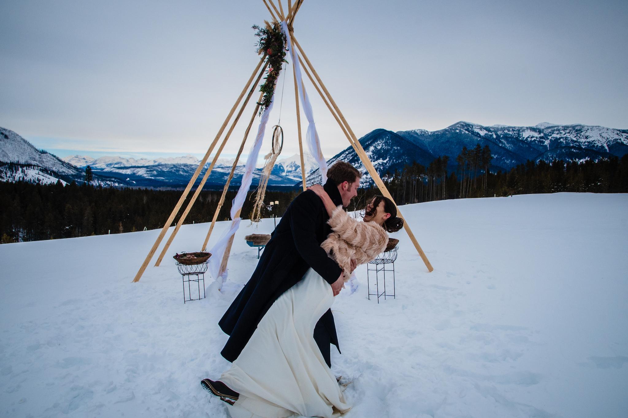 GoingtotheSunChalets_Weddings_LindseyJanePhotography4.jpg
