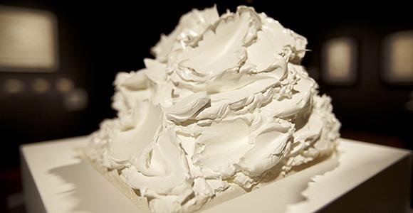 Fiona Kinsella, (cake) bouquet (helmet) copy.jpg