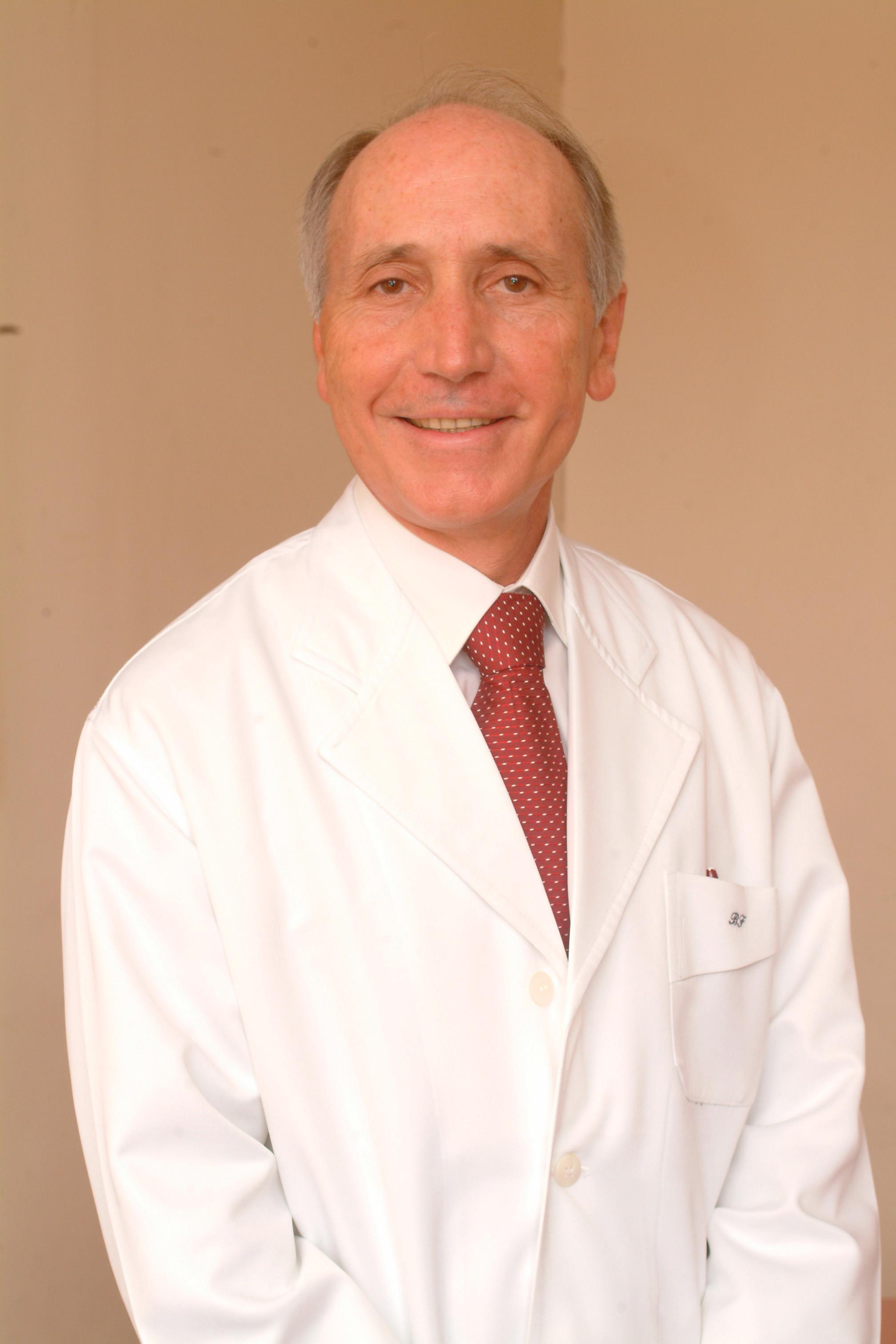 Carlos Alberto de Barros Franco    Coordenador de Pneumologia PUC-Rio  Diretor Médico Clínica Barros Franco  Membro da Academia Nacional de Medicina