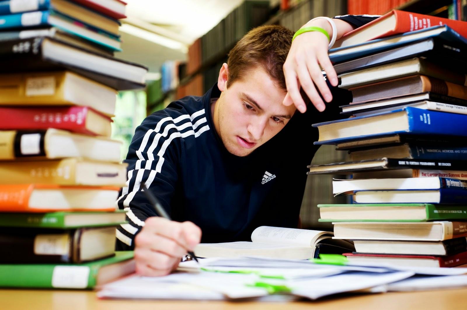 estudante cansado.jpg