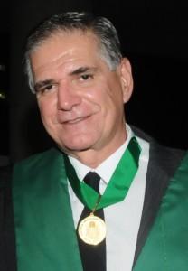Prof. Walmir Coutinho