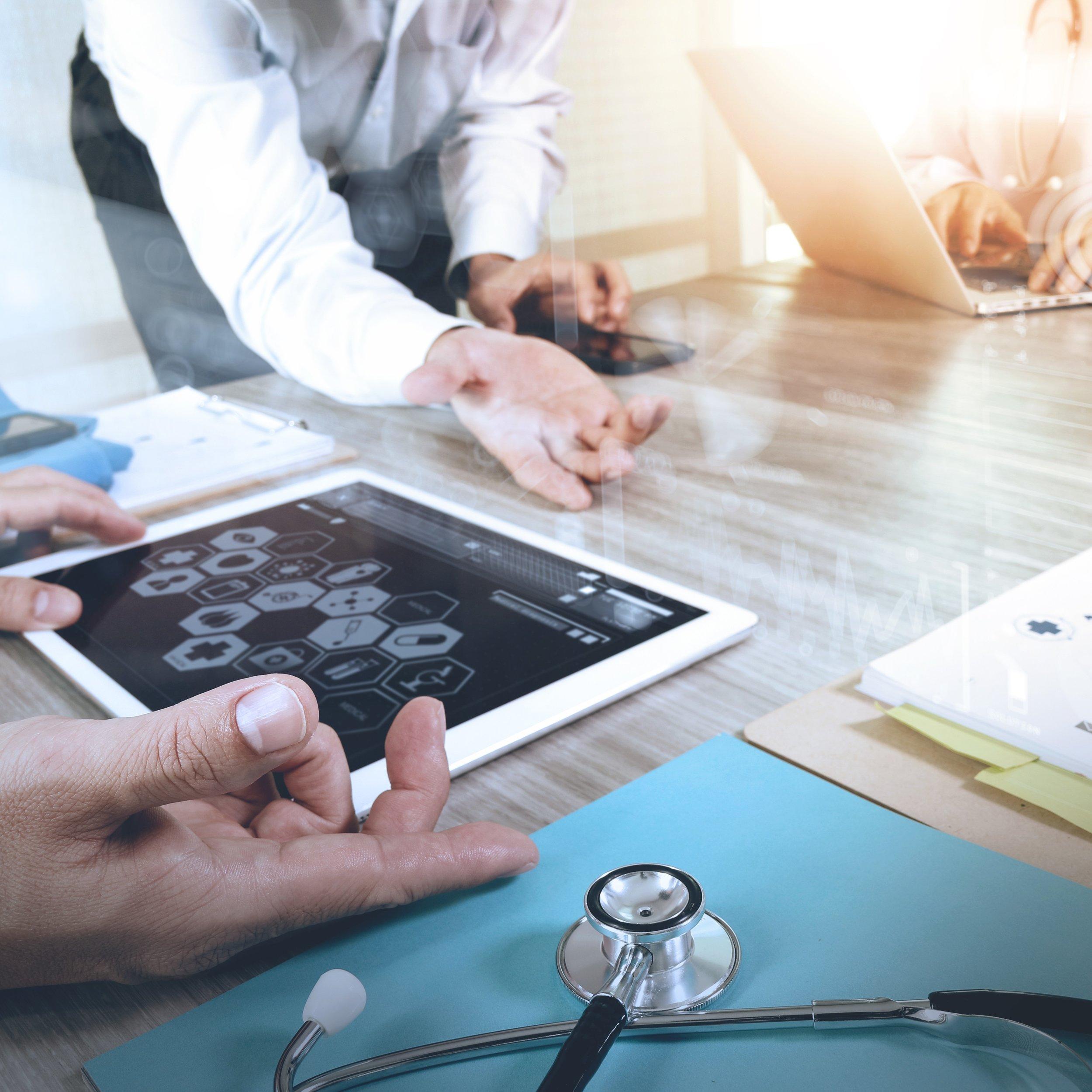 Formação Docente em Medicina e Ciências da Saúde - Capacitar profissionais de excelência em planejamento curricular, implementação de projetos educacionais…