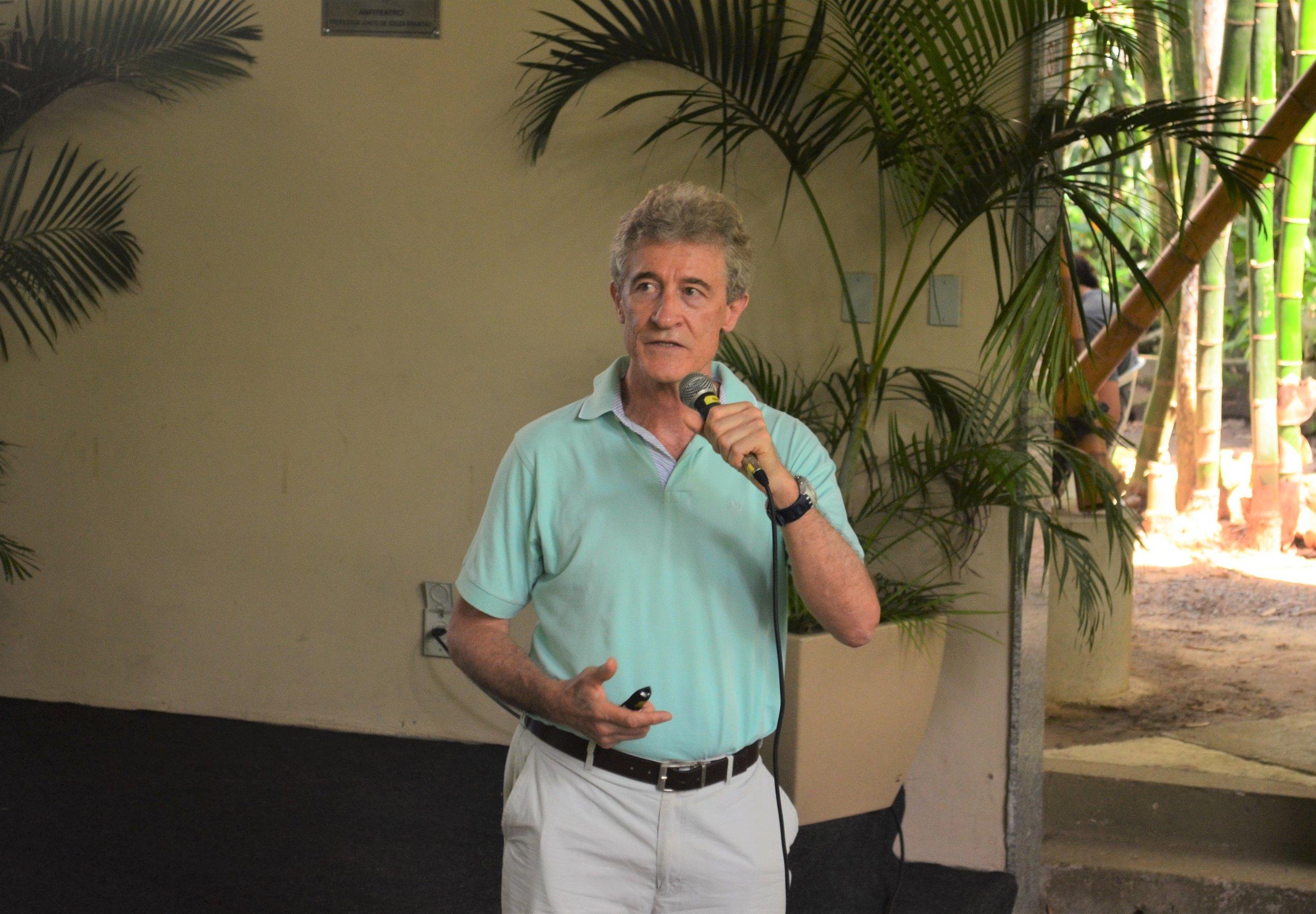 Professor Jorge Biolchini, coordenador do curso de Plenitude Mental (Mindfulness), do Departamento de Medicina da PUC-Rio.