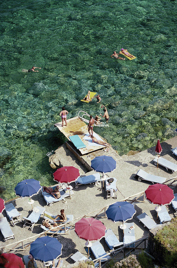1-porto-ercole-beach-slim-aarons.jpg