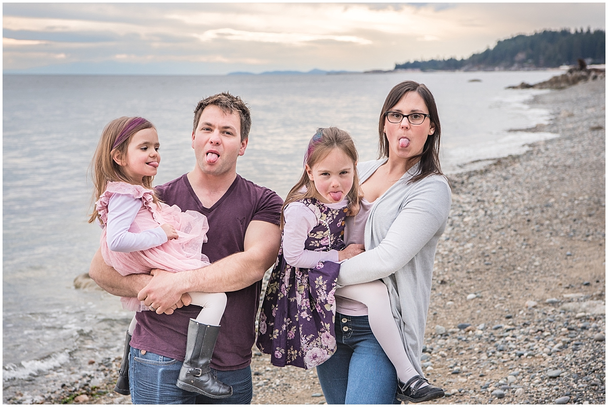 You've gotta get a bit silly for family portraits! Funny, whenever I tell a group of people to make a funny face, the tongues always come out!!