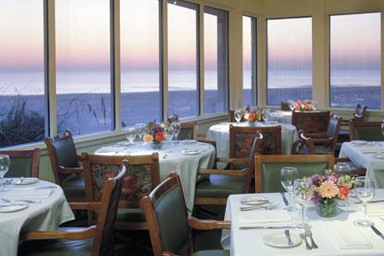 Colony Beach & Tennis Resort dining room