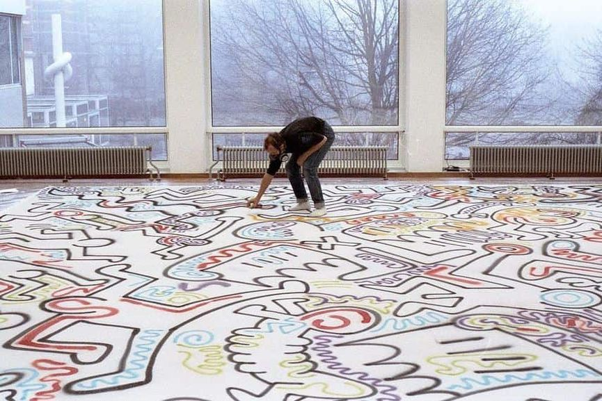 Keith-Haring-at-work-in-the-Stedelijk-©-Keith-Haring-Foundation-11.jpg