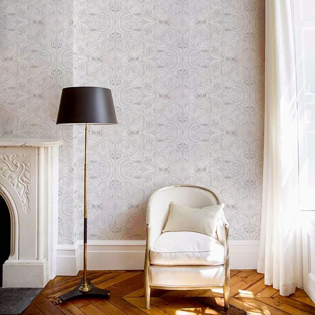 Mitchell Black Removable Wallcovering • Contact me for your local sales rep • #mitchellblack #wallpaper #wallcovering #removablewallpaper #wipeable #walldecor #wallart #eclecticdecor #eclectichome  #homedecor #interiors #interiordesign #interiordesigner #homeinspo #california #losangeles #santabarbara #santamonica #orangecounty #sandiego  #palmsprings #madeintheusa