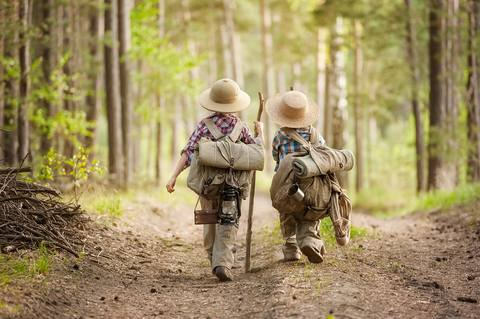 youth hike.jpg