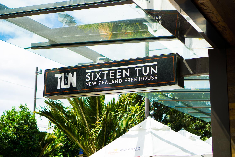 Auckland bar-04609.jpg