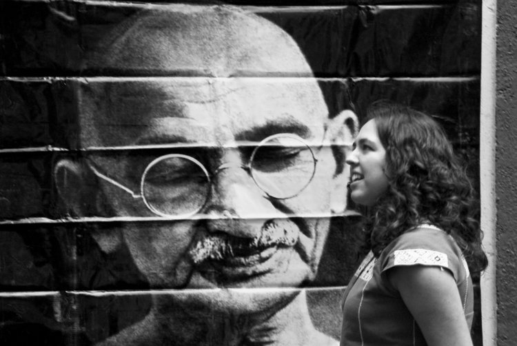 Gandhi is prolific, his image appears around the world in a myriad of forms |  ENEAS DE TROYA