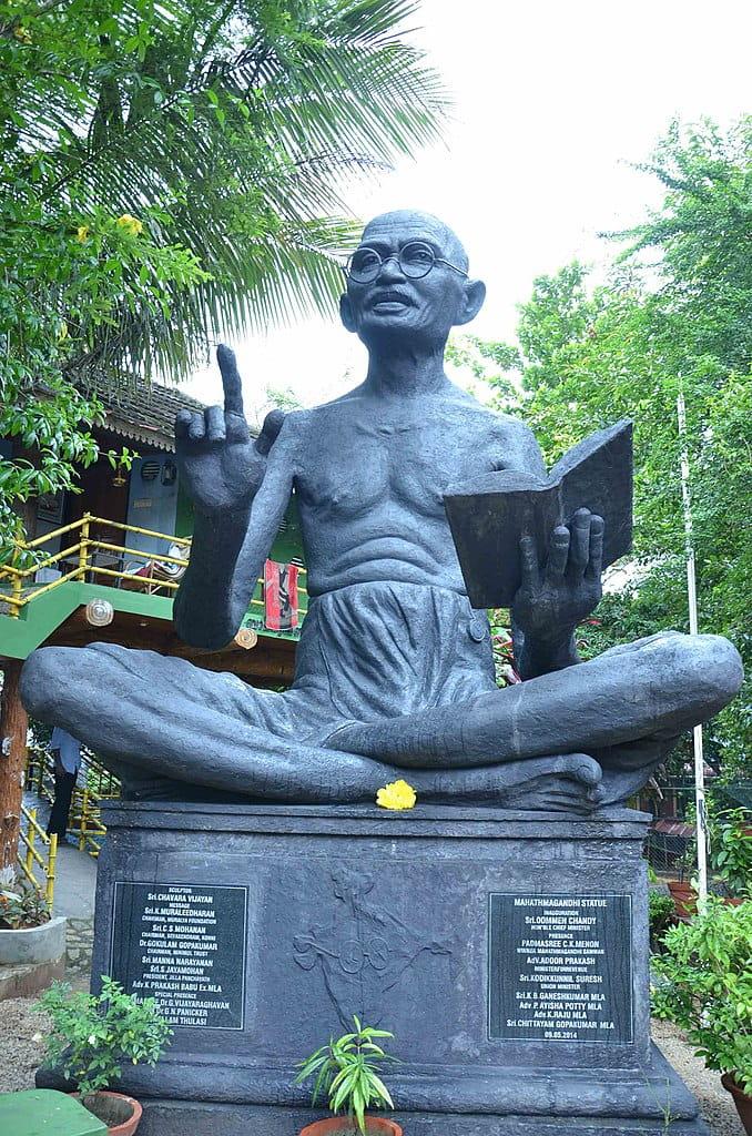 South India's biggest Gandhi statue at Gandhibhavan |  WIKIMEDIA COMMONS