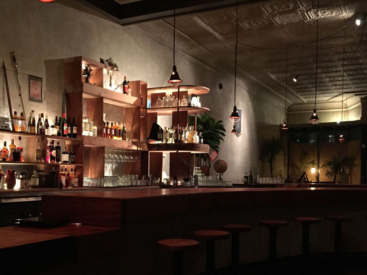 Starline Social Club  - Price Average: $12,000 - $22,000Max Capacity: 80 - 150 guestsMood: antiquated, hip, funLocation: Oakland,CA