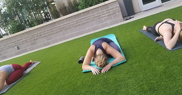 ::: Private Luxury Yoga  on the Rooftop Green::: @quincyapartments residents getting into their hips! ::: Class taught by Jessica Gildea ::: Want to book weekly yoga or a  private event with Mindfully Curated? We would love to work with you! Message us for details. . . . #yoga #yogalove #yogaeverydamnday #yogaeverywhere  #yogachallenge #yogainspiration #denveryoga #coloradoyoga #mindfulness #wellbeing #healthy #fit #fittness #wellness #health #mindfullycurated #mindfullycuratedyoga #mindfullycurateddenver #luxurylifestyle #luxuaryyoga #theconfluence #private #privateevent #mindfulnessmeditation #ceo #founder #gratitude #gratitudepractice #meditation