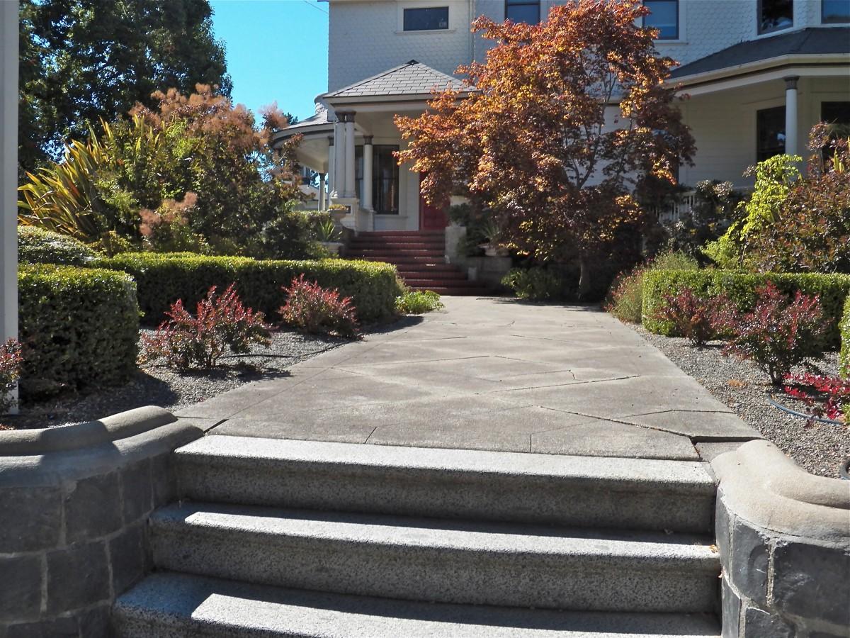 pathway_walkway_front_yard_path_outdoor_landscape_stone_walk-996141.jpg