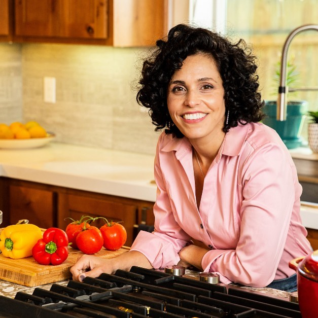There will never be a 'right' time to make a change. Traveling, holidays, winter break, vacation, just name it... you'll always find an excuse to defer it. When it comes to a lifestyle, here and now is the best time to start!  We all know that processed foods and refined sugars are bad for us, but the real challenge is how to eliminate them for good from our life, or what to do in real life situations like parties, camping, road trip, etc.  In the 28-Day program, I'm going to cover all of this and more. Sign up today to secure your spot and to get my e-cookbook for FREE! (See bio link for more details) . #28-DayProgram #EatingandLivingHealthier #justeatwellllc #nutritionist #clinicalnutritionist #liatnadler #masterinnutritionscience #healthylifestyle #plantbased #portland #hillsboro #beaverton #oregon #northplains #veganchef #veganpersonalchef #cookingclasses #veganfood #cleaneating #veganlife #sportnutrition, #instagood, #photooftheday, #beautiful, #foodart, #healthyfood