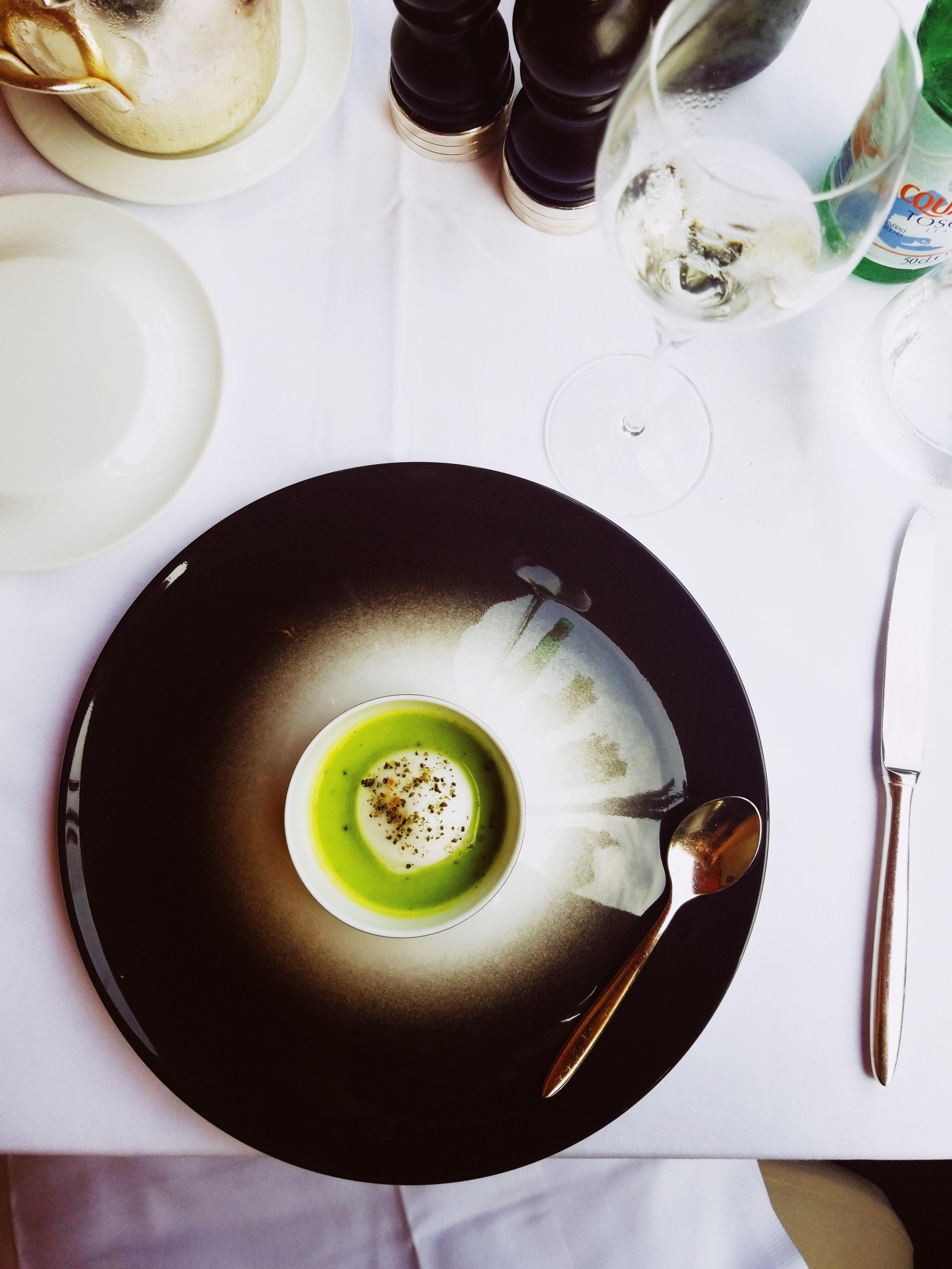 Amuse-bouche - cold pea soup with mint