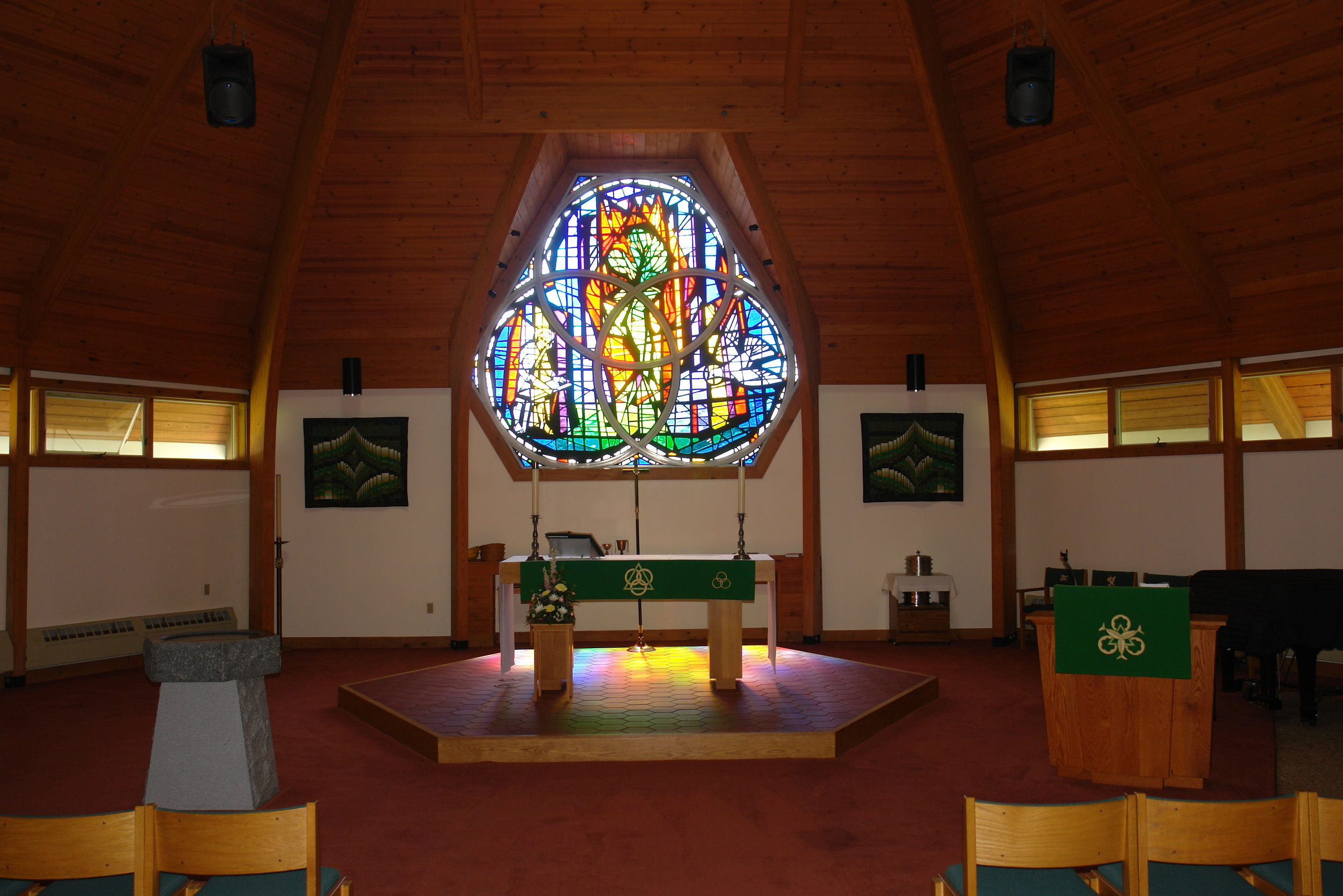 Holy Trinity Lutheran Church - 22 Fox Run Road, Newington/Portsmouth, NH 03801
