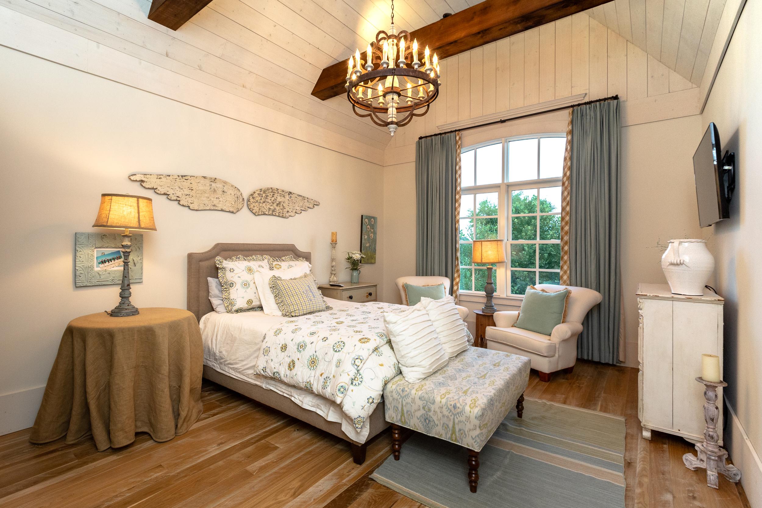 domophotos high standard real estate photography - Nashville, TN bedroom