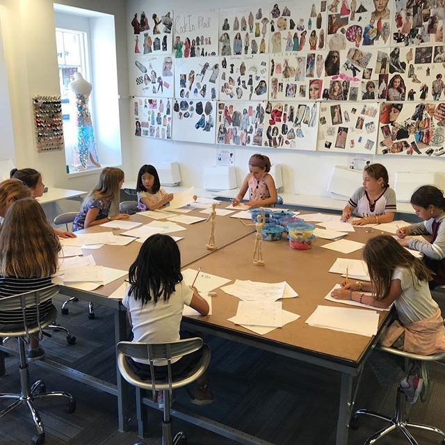 Working hard! The semester begins with the designers sketching their designs for the Fall Semester!  #design #fashiondesign #fashiondesigner #fashion #fall2018