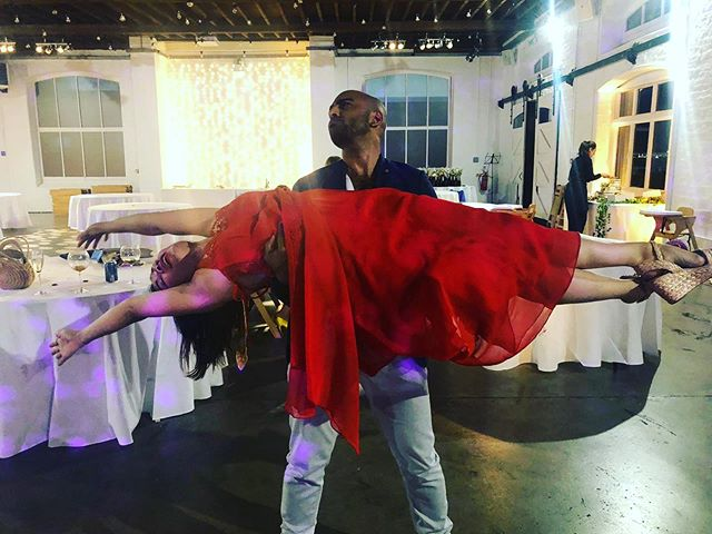 When you're one of the last ones dancing at a wedding and you need to be carried away from the dancefloor. @tibufortes 🏋🏽♂️ #weddingdancer #RaShaun #Shauchel