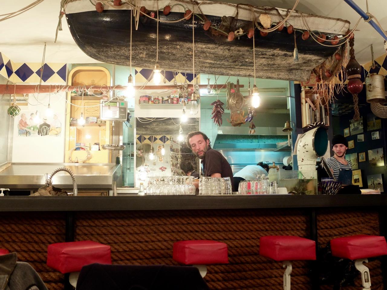 boite-a-sardine-bar-hook-marseille