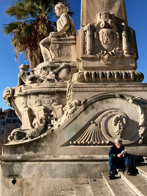 marseille-saint-charles-statue-greece