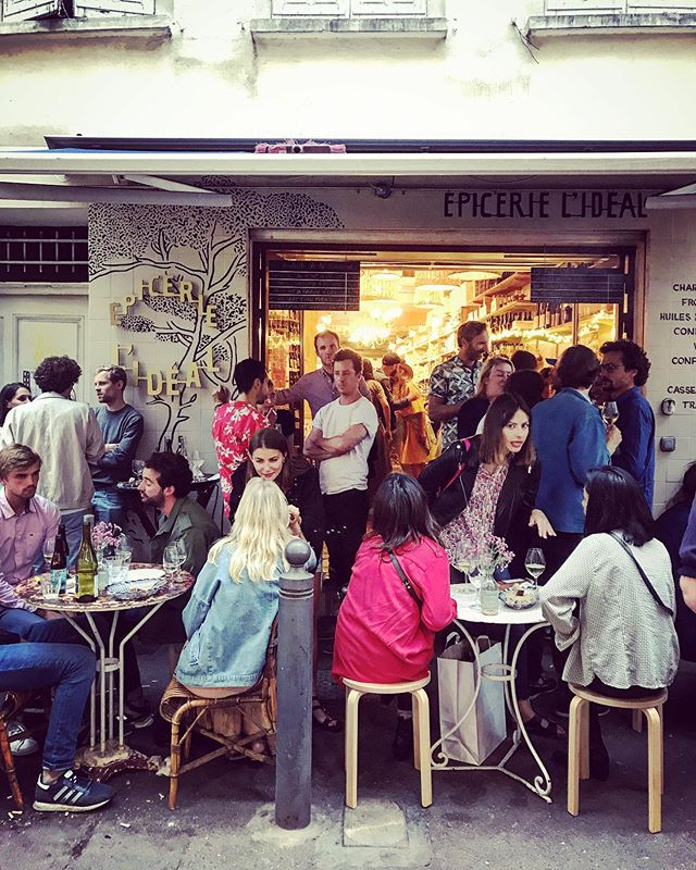 Friday night apéro at Epicerie l'Ideal are the amuse-bouche for the weekend. Small plates, stellar sips including @maisonferroni pastis, and the friendliest staff around. Tonight's special guests - the creative marseillaises featured in @toctoctoceditions . . . . Ça veut dire: L'apéro du vendredi @epicerielideal est l'amuse-bouche pour le week-end . . . #marseille @juliasammut #noailles #noaillespower #apero #vendredi #friday #local #supportlocal