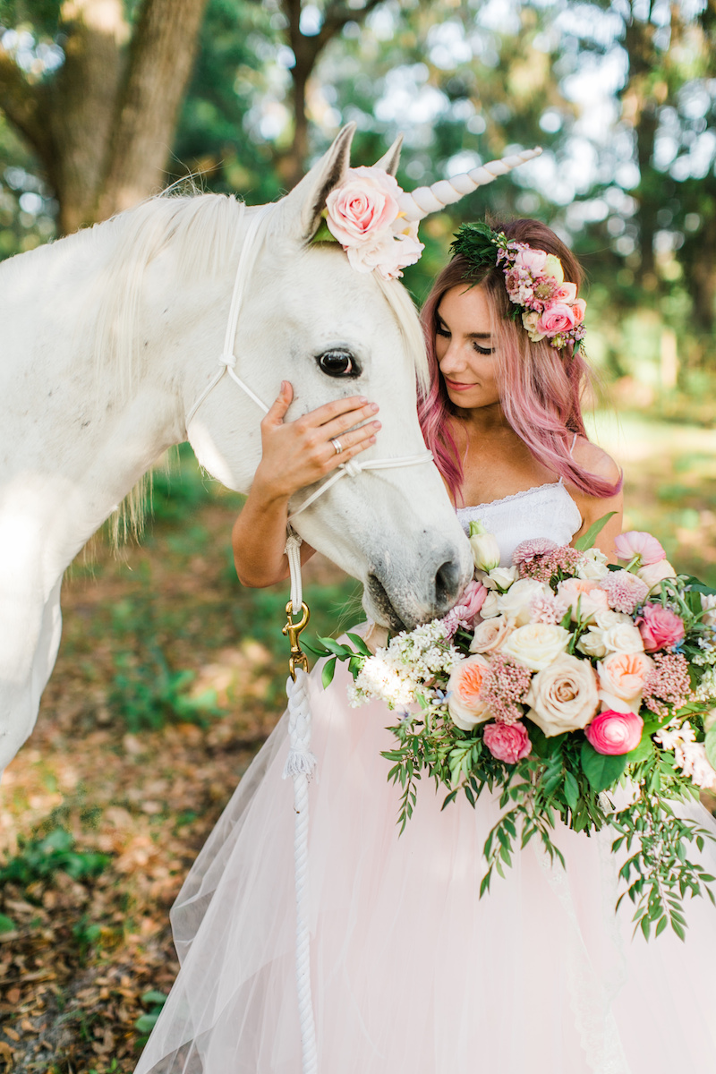 florida-orange-blossom-barn-unicorn-shoot-bride.jpg