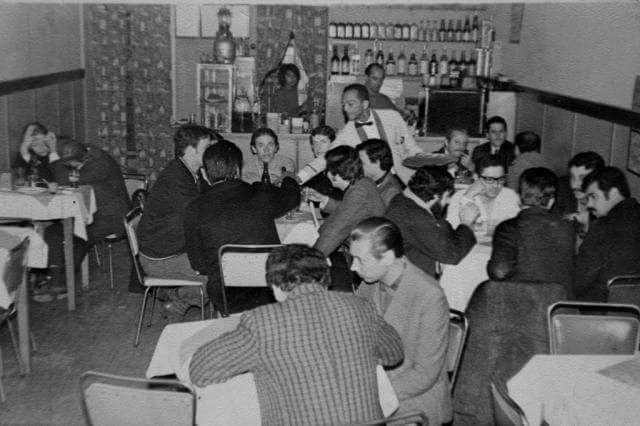 Uma imagem rara do interior do bar Alaska na década de 1960 (Arquivo Familiar/Reprodução Tânia Meinerz)