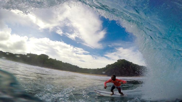 A parceria com o surfista, modelo e ator Paulo Zulu ajuda a dar visibilidade nacional àOric (Foto Marcelo Oliveira/Divulgação)